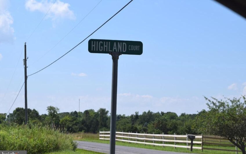 Highland Ct